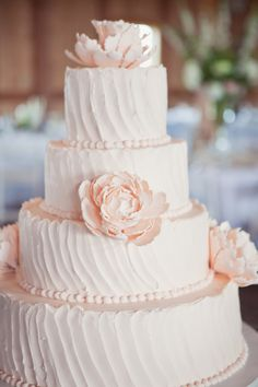 This is my cake. But with fresh peonies. All the rest is it.