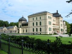 castles in norway - Google Search Fritzøehus in Larvik. More a mansion than a castle.