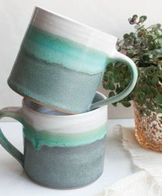 ceramic mugs Blue green ombre mugs, reminds me of the mountains Ceramic Cups, Ceramic Pottery, Ceramic Art, Ceramics Pottery Mugs, Slab Pottery, Glazes For Pottery, Ceramic Painting, Crackpot Café, Pottery Classes