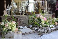 Flower Arrangements with Branches | Romancing the Home... Flower arrangements on branches | Fleurs