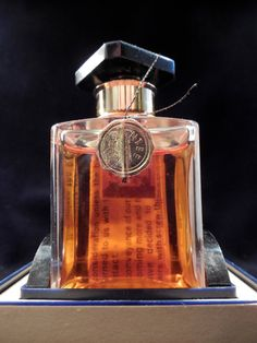 Arpege Extrait by Lavin, vintage perfume bottle with complete packing, bottle has never been opened.
