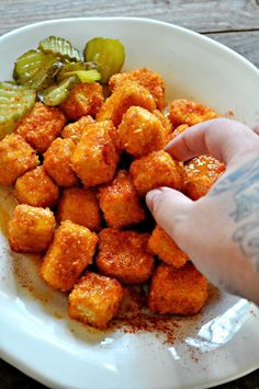 These vegan Nashville hot tofu nuggets are baked not fried, but incredibly crispy and crunchy! Tossed in a vegan version of classic Nashville hot sauce. Vegan Foods, Vegan Dishes, Vegan Vegetarian, Vegetarian Recipes, Healthy Recipes, Tasty Dishes, Firm Tofu Recipes, Healthy Food, Tofu Dishes