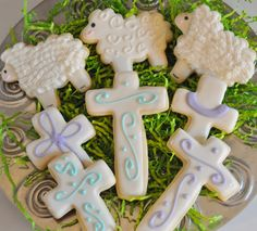 Ostern Platzchen Verziert-Easter Cookies Sugar cookies with royal icing Easter Cookie Recipes, Easter Cookies, Birthday Cookies, Cupcake Cookies, Christmas Cookies, Easter Desserts, Easter Food, Easter Dinner, Easter Brunch