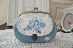 *インポートファブリック・アンティーク素材を使ったバッグの製作日記* ハンドメイドならではのカワイイを形に。 使いやすさを日々研究しています。 Cute Coin Purse, Diy Purse, Embroidery Purse, Fringe Handbags, Diy Wallet, Frame Purse, Purse Patterns, Handmade Bags, Handmade Bracelets