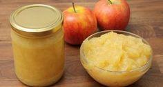 Almalekvár recept: Ennek az almalekvárnak az elkészítéséhez 1,8 kg Gála almát használtunk fel. Ennek a nettó tömege lett az 1,3 kg, azaz a hámozáshoz kb. 30% súlyveszteséggel kell számolni. Lehetőleg Gála almát válasszunk, ez az alma nagyon finom lekvárnak! Ital Food, Pickles, Cantaloupe, Food And Drink, Pudding, Sweets, Sugar, Apple, Canning
