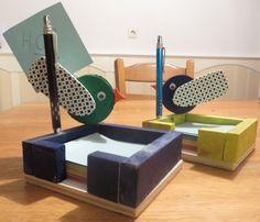 memoblok met houder voorzien van vogeltjes en gemaakt van pallethout