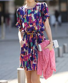 Colorful Abstract Print Short Sleeve Round Collar Drawstring Dress For Women