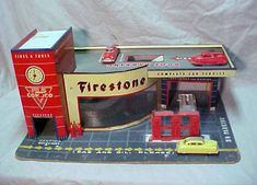 I remember this vintage Firestone Tires Tin Service Gas Station Playset Marx.I think my friend Billy Finch had one. Metal Toys, Tin Toys, Vintage Tins, Vintage Dolls, Toy Garage, Firestone Tires, Toys In The Attic, Photo Vintage, Toy Trucks