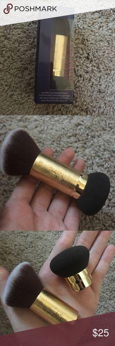 Double ended Tarte makeup brush New in box Tarte powder foundation brush and removable blending sponge. tarte Makeup Brushes & Tools