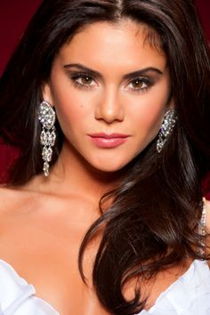 Perfect Pageant makeup. Keep it natural but accentuate your bone structure, eyes, or lips.