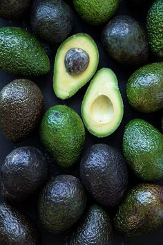 Mmmm Avocados! I feel like I know when I have a good one before it has been halved, the skin has that reddish greenish tint, is soft but hasn't pulled away from the fruit. When it opens up it's perfectly