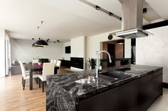 Contemporary kitchen ideas, images and styles of the new trend in UK contemporary style kitchens with longer islands, pendant lights and modern colours Contemporary Style Kitchen, Wellborn Cabinets, Elegant Kitchen Design, Beautiful Kitchens, Countertops, Home, Cambria Countertops, Contemporary Kitchen, Kitchen With Long Island