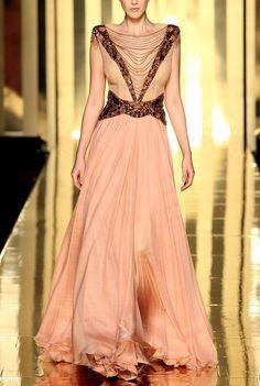 What Arianne would wear, Mireille Dagher