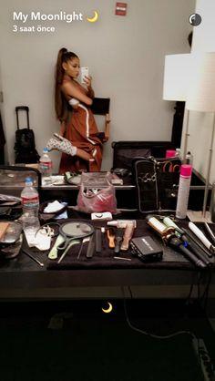 Ariana Grande'nin en çok beğendiğim fotoğraflarını sizinle paylaşmak … #hayrankurgu Hayran Kurgu #amreading #books #wattpad