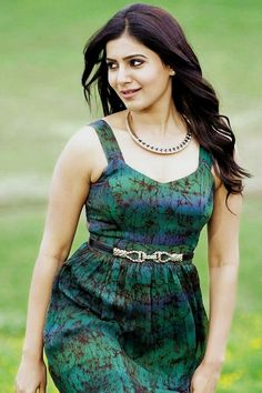 Samantha Showing Her Sexy Thighs.Hot Stills From Her Latest Movie Samantha In Saree, Samantha Ruth, Beautiful Girl Indian, Most Beautiful Indian Actress, Samantha Images, Indian Heroine, Girl Fashion, Fashion Dresses, Look Thinner