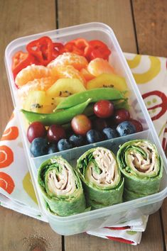 Rainbow Bento Box with Deli Spirals Recipe (kid-friendly, dairy-free and school-safe! With gluten-free and vegan options) Rainbow Bento Box with Deli Spirals Recipe (kid-friendly, dairy-free and school-safe! With gluten-free and vegan options) Lunch Meal Prep, Healthy Meal Prep, Healthy Drinks, Healthy Snacks, Healthy Recipes, Eat Healthy, Healthy Lunchbox Ideas, Detox Recipes, Kids Lunchbox Ideas