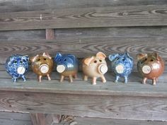 Amazing Glass Pigs