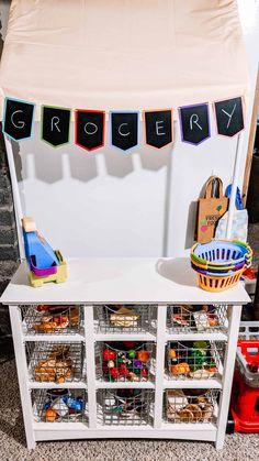 Kids Play Store, Kids Play Food, Small Playroom, Playroom Ideas, Pretend Grocery Store, Kids Market, Diy Play Kitchen, Toddler Play, Toddler Activities