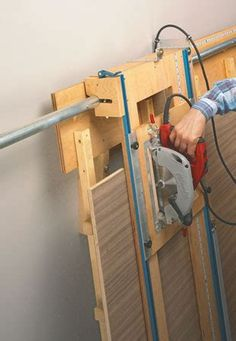 Learn Woodworking Sliding Carriage Panel Saw Learn Woodworking, Woodworking Workshop, Woodworking Projects Diy, Woodworking Bench, Wood Projects, Woodsmith Plans, Panel Saw, Home Workshop, Homemade Tools