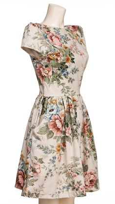 Tailored vintage floral dress made in the UK from recycled fabrics - all I need is to find a curtain to cut up to make this!