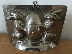 antique chocolate mold 2 bunny's around egg 3003 in Verzamelen, Reclame- & Cafévoorwerpen, Gietvormen | eBay