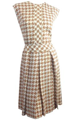 Graphic Tan and White Houndstooth Design Nylon Crepe Dress circa 1960s