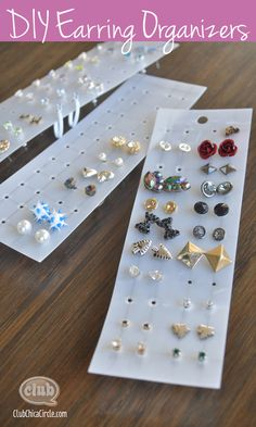 Keep all your earrings organized with this super easy DIY Earring Organizer craft @clubchicacircle