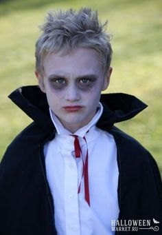 wildly simple: A Gnome, a Vampire, & a Wizard. Last minute Homemade Halloween Costumes. (Last Minutes Makeup) Diy Costumes For Boys, Halloween Costumes Kids Boys, Hallowen Costume, Homemade Halloween Costumes, Boy Costumes, Facepaint Halloween, Boy Vampire Makeup, Boys Vampire Costume, Vampire Kids
