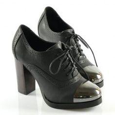 black laced with metallic toe Witch Fashion, Dark Fashion, Unique Fashion, Fashion Shoes, Womens Fashion, Fashion Ideas, Old School Fashion, Everyday Fashion, Crazy Shoes