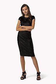 Compra vestido punto lentejuelas y explora la colección de robes de soirée Tommy Hilfiger para  mujer. Envío gratuito desde €150 y devolución gratuita. 8719253100543