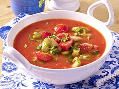 Schnelle Suppen - löffelweise Genuss im Handumdrehen - mediterrane-tomatensuppe  Rezept