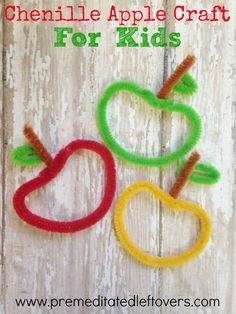 DIY Chenille Apple Craft Tutorial for Kids- These chenille apples are a cute and frugal fall decor idea. Grab some pipe cleaners and give this craft a try!