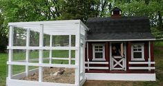 Wow!  I love this chicken coop and run!  What a nice wedding present it would make. :)  Simply Chicks: Independence Day at Sundance Hill
