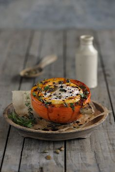 Diese Kombination ist eine vo… Wonderfully simple: pumpkin and cheese from the oven. Pumpkin Recipes, Fall Recipes, Eat Pretty, G 1, Yummy Food, Tasty, Delicious Dishes, Healthy Food, Seasonal Food