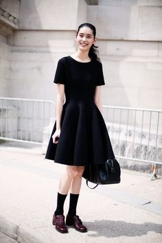 Sweaters and Oxfords Swing Dress, Dress Skirt, Young Adult Fashion, Female Fashion, College Outfits, Wearing Black, Well Dressed, Passion For Fashion, Fashion Dresses