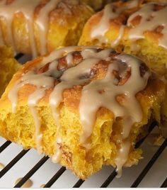 amish pumpkin cinnamon rolls with caramel icing