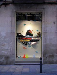 adidas originals store BCN  c/ Avinyó n.6    me encantó el escaparate!    I loved the shop window :)     shoes