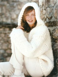 That looks soooooo comfy I want that Crochet Cardigan, Knit Crochet, Knitted Coat, Autumn Winter Fashion, Winter Style, Winter Hats, Wool, Hoodies, Clothes For Women