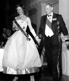 Margrethe's first state visit was in 1958. Although she was 18, she didn't wear a tiara for the gala dinner during the Finnish State Visit.