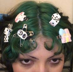 Androgynous Hair, Punks Not Dead, Aesthetic Hair, Fashion Sewing, Body Mods, Look Cool, Hair Inspo, Makeup Inspiration, Dyed Hair