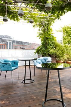Circles table by Maria Jenglinska and Serpentine by Eleanore Nalet, pair perfectly together to create this outdoor oasis. #modernoutdoorfurnitures #modernoutdoorfurniture #luxuryoutdoorfurnitures #luxuryoutdoorfurniture #contemporaryoutdoorfurnitures #contemporaryoutdoorfurniture #highendoutdoorfurniture #modernluxuryoutdoorfurniture #modernoutdoorsofas #contemporaryoutdoorsofas #contemporaryoutdoorsofa #modernoutdoortable #contemporaryoutdoortable #modernoutdoorchair #contemporaryoutdoorchairs
