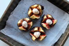 Ovnbagte friske figner med mozzarella og balsamico
