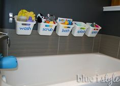 blue i style - BathtubToyStorage1