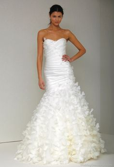 Monique Lhuillier Wedding Gowns Collection | ... Bridal Spring 2011 Collection | Monique Lhuillier | Wedding Dresses