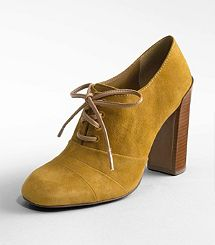 I am seriously in love with these shoes.....