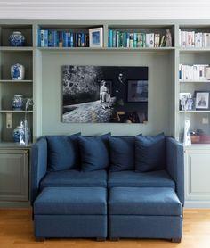 Friskt og vårlig hjem i grønt og blått! - Lady Inspirasjonsblogg Gandhi, Wonderwall, Sofas, Shelves, Couch, Bedroom, Furniture, Lady, Home Decor