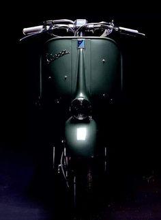 All things Lambretta & Vespa Piaggio Vespa, Lambretta Scooter, Scooter Motorcycle, Vespa Scooters, Vespa Girl, Scooter Girl, Triumph Motorcycles, Ducati, Mopar