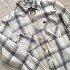 Hurley Long Sleeve Shirt Plaid long sleeve shirt. Hurley Tops Button Down Shirts