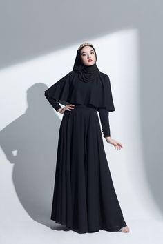 ANNALINAR | ฮิญาบ ชุดมุสลิม ชุดอิสลาม แฟชั่น สั่งตัด รับตัด ตัดตามไซส์ เดรสมุสลิม เดรสอิสลาม กรุงเทพ สุขุมวิท tailormade Bangkok black abaya cape maxi long dress modest islamic clothing chiffon evening gown eid ramadan dress Modern Hijab Fashion, Hijab Fashion Inspiration, Abaya Fashion, Muslim Fashion, Fashion Dresses, Dress Outfits, Modest Dresses, Simple Dresses, Maxi Dresses