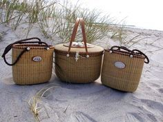 Nantucket Baskets ~~~ perfect for picnics Nantucket Style, Nantucket Island, Old Baskets, Wicker Baskets, Bamboo Basket, Vintage Baskets, Les Hamptons, Nantucket Baskets, Picnic Time
